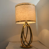 Hotel-dekoratives Leinengewebe-Kopfende-Poliermessinganzeigen-Tisch-Lampe