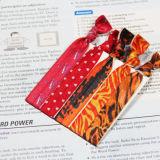 Lazo elástico anudado del pelo de la cinta con la insignia de encargo impresa