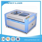 De la fábrica máquina caliente 2016 de la insignia del grabado del laser de la máquina de grabado del laser del CO2 de la venta directo para la ropa/la materia textil de cuero