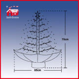 屋内クリスマスツリーの上の星の多彩な装飾の装飾