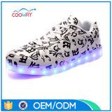 Chaussures occasionnelles de DEL avec les chaussures en caoutchouc d'éclairage LED