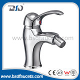 経済的な真鍮の洗面台の水栓はハンドルの洗面器のコックのミキサーを選抜する