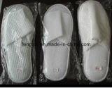 Тапочка гостиницы полотенца Терри печатание логоса пальца ноги высокого качества белая закрытая устранимая