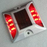 Der Verkehrssicherheit-IP68 blinkender Solarreflektierender LED Straßen-Stift der katzenauge-
