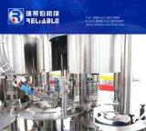 Piccola macchina di rifornimento imbottigliante dell'acqua minerale
