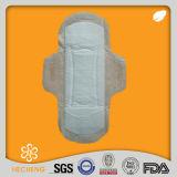 Prezzo il più bene perforato dei rilievi sanitari, fornitore del tovagliolo sanitario del cotone