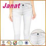 Schwarze kundenspezifische Metallheftzwecke-Tasten für Jeans anstreichen