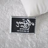 Etiqueta tecida alto densidade da fonte da manufatura do chinês para o vestuário