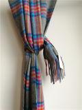 Kaschmir-grauer Plaid-Schal für kaltes Wetter