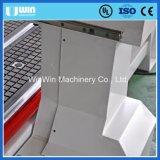 CNCのルーターの打抜き機を製粉するアルミニウムWindowsを刻む木製のドア