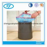 Sacs d'ordures en plastique personnalisés de cordon de taille sur le roulis