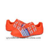 高品質の新式のフットボールの靴