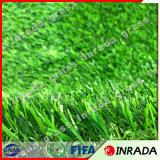 Césped verde para la hierba artificial del uso de interior y al aire libre para el jardín y ajardinar