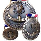 Goldsilberne Bronzemedaillen für 1. 2. 3. Platz-Preise mit Option des hellen oder antiken Endes, rotes weißes blaues Farbband