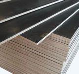 O uso da construção película de 25 milímetros enfrentou a madeira compensada