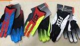 Cambiare il disegno dei guanti della bici del motociclo che corrono i guanti
