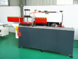 Finestra del PVC che fa macchina