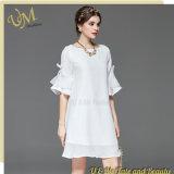 Vestito chiffon bianco dalle signore delle ragazze dei tessuti della pelle