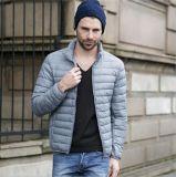 Dos homens do inverno roupa leve fina apta contínua de Silm do revestimento para baixo