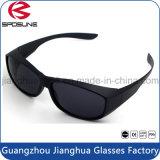Cortinas al por mayor de Sun de los vidrios inastillables de los fabricantes de China Sunglass ajustadas sobre las gafas de sol
