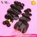 7A等級の閉鎖および束が付いている閉鎖のFacebeautyの毛を搭載する閉鎖の安い人間の毛髪を搭載するペルーのバージンの毛ボディ波