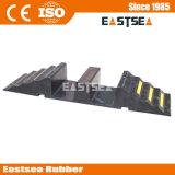 黒い及び150mmチャネルのゴム製ホースの傾斜路を黄色にしなさい
