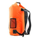 Продукты напольного спорта делают Backpack водостотьким