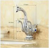 Nettes Ente-Form-Doppeltes handhabt Wasserfall-Badezimmer-Bassin-Wannen-Hahn