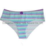 Bragas disponibles y señora atractiva Underwear de las muchachas de la muestra libre