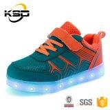 Оптовый спорт цены СИД верхнего качества самый лучший обувает фабрику Китая вскользь ботинок мальчика и девушки холстины
