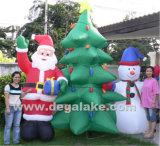 Aufblasbarer Weihnachtsbaum mit Weihnachtsmann und Schneemann