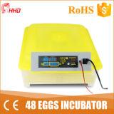 A incubadora a mais nova da galinha dos ovos do projeto 48 da taxa do choque de 99% (YZ8-48)
