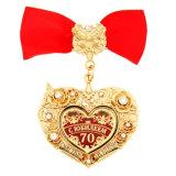 Concesiones calientes de los medallones de la venta del diseño en forma de corazón con el proceso suave del esmalte