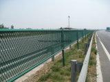 PVC покрыл гальванизированную расширенную загородку ячеистой сети металла