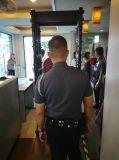 金属探知器を通る携帯用完全なボディスキャンナーの戸枠の歩行