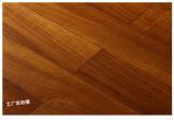 Suelo de madera dura de múltiples capas dirigido color clásico del suelo de madera de la teca