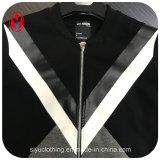 남자의 형식 빛 의복 옥외 재킷