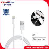 Вспомогательное оборудование мобильного телефона связало проволокой кабель данным по USB молнии на iPhone 7