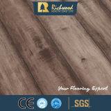 suelo laminado de madera de madera del laminado del roble de la textura de la viruta de 12.3m m