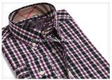 Chemise de plaid de deux hommes de couleur