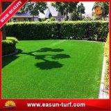عشب جيّدة اصطناعيّة لأنّ حديقة
