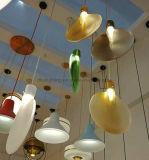 Luz de cristal moderna del diseño de la lámpara pendiente de la cortina de la bola de ping-pong más nueva