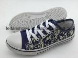 Les chaussures d'injection de toile d'enfants de bonne qualité, les chaussures occasionnelles vendent en gros
