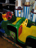 Trem superior do castelo do círculo de venda com a trilha para o passeio do trem de Thomas do passeio dos miúdos