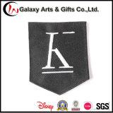 La saia cuce le zone ricamate disegno personalizzate della bandierina per le protezioni dei vestiti degli indumenti