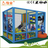 Equipamentos de área de recreação para crianças no interior para crianças