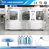 Terminar a linha de enchimento e tampando automática da água mineral