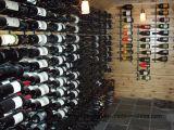 24 cremagliere d'attaccatura della bottiglia di vino del metallo fissato al muro della bottiglia