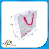 Sac blanc respectueux de l'environnement de papier d'emballage avec le traitement
