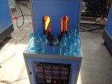 Garrafa de água plástica que faz a maquinaria